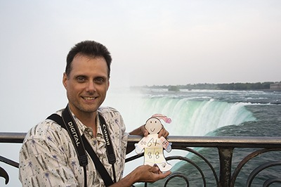 Flat Stanley Vists Niagara Falls